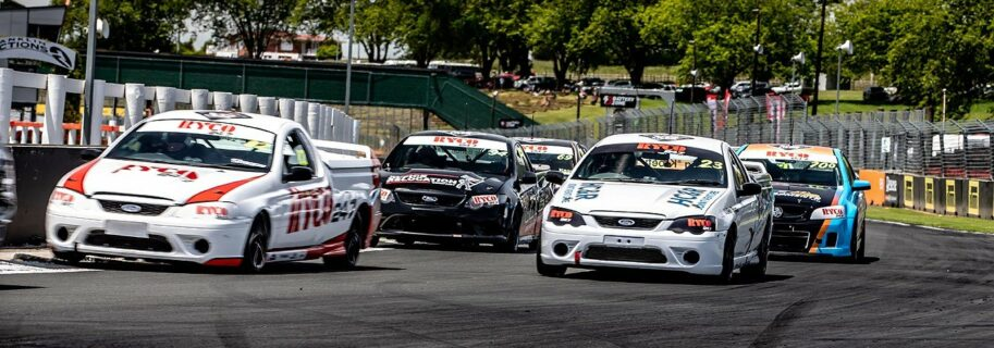 Tussle at the top as  V8 Utes return to Pukekohe